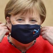Bundeskanzlerin Angela Merkel mit Maske