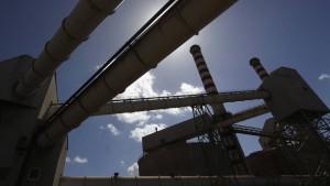 Alcoa profitiert von Aluminiumpreisen