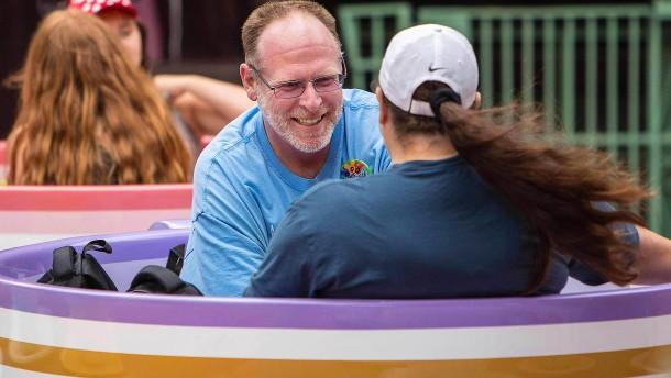 Amerikaner besucht 2000 Tage in Folge Disneyland