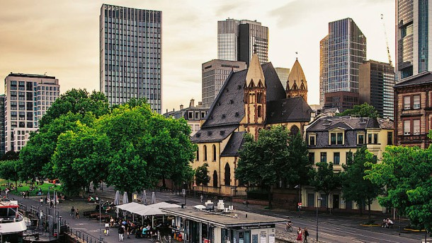 Ein neues Frankfurt und andere Titel