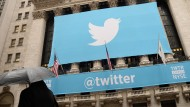 Starke Schwankungen: Seit Twitter an der Börse ist geht es mit dem Kurs auf und ab.
