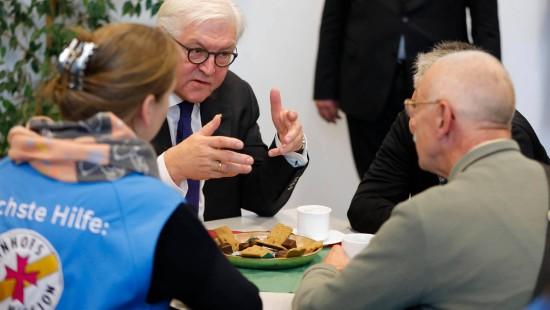 """Steinmeier: Bahnhofsmission ist """"unverzichtbar"""""""