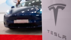 Tesla zieht Autopilot-Update wegen Problemen zurück