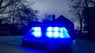Feuer in Wohnhaus: Einsatzkräfte fanden die Hausbesitzerin tot in ihrer Wohnung.