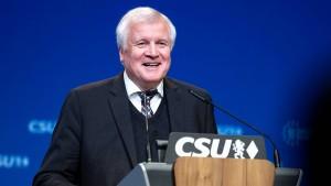 Seehofer traut Union mit Kramp-Karrenbauer 40 Prozent zu