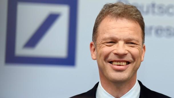 Analysten trauen Deutscher Bank ersten Gewinn seit fünf Jahren zu