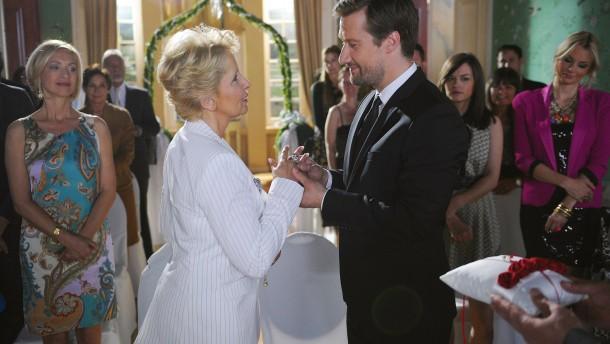 Letzte heirat auf königsbrunn szene aus der adels soap verbotene
