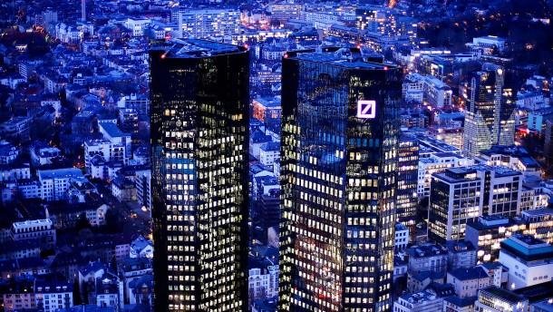 Erstes Quartal: Deutsche Bank macht fast 80 Prozent weniger Gewinn