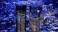 Die Zwillingstürme der Deutschen Bank in Frankfurt.