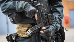 Polizei nimmt Asylbewerber wegen Terrorverdachts fest