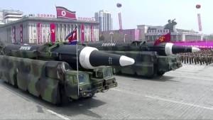 Nordkorea zeigt militärische Stärke und droht Amerika