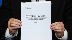 """Das steht in Seehofers """"Masterplan Migration"""""""