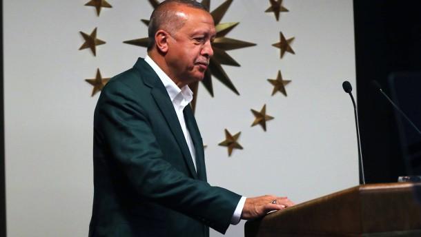 Erdogan erklärt seine Partei zum Sieger