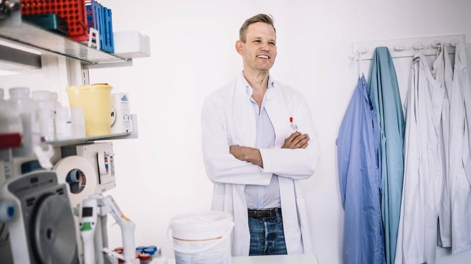 Hendrik Streeck ist Direktor des Instituts für Virologie am Universitätsklinikum Bonn.