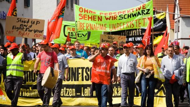 Opelaner laufen Sturm gegen Verlagerung ins Ausland