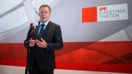 Thomas Oppermann gab seinen Parteifreunden eine klare Wahlempfehlung mit auf den Weg zur Abstimmung.