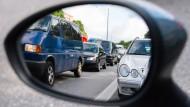 ADAC: Urlauber sollten wegen Grenzkontrollen Ausweise mitnehmen