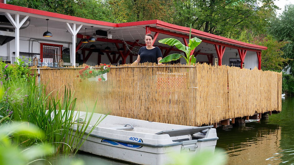 Idyll im Hafenviertel: Katharina Waschbüsch hat das Lokal am Schwedlersee übernommen.