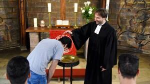Richter sprechen Christen den Glauben ab