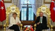 """""""No-win-Situationen"""": Angela Merkel und der türkische Präsident Recep Erdogan"""