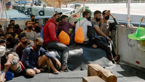 """Migranten von """"Sea-Watch 3"""" positiv auf Corona getestet"""