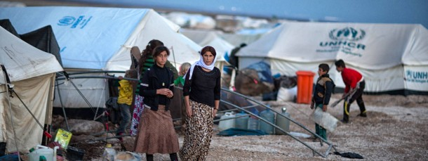 Müde und traumatisiert: Vielen yezidischen Frauen, wie hier in einem Flüchtlingslager in Syrien, wurden von den Schergen des IS übles Unrecht angetan.