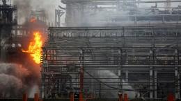 Brand in indischer Raffinerie