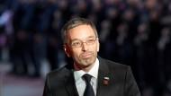 Herbert Kickl sieht sich von der österreichischen Presse ungerecht behandelt.
