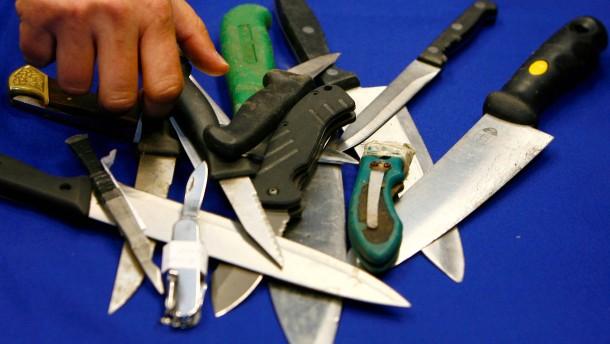 Mann attackiert Polizisten in London mit Machete