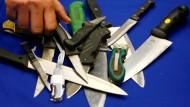 Archivbild von beschlagnahmten Messern in London
