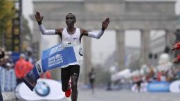 Kipchoge gewinnt Berlin-Marathon