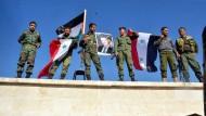 Von der Leyen erwägt Pakt mit syrischen Truppen