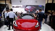 """Teslas """"Model 3"""" wird in seiner billigsten Version aus dem Online-Angebot genommen."""