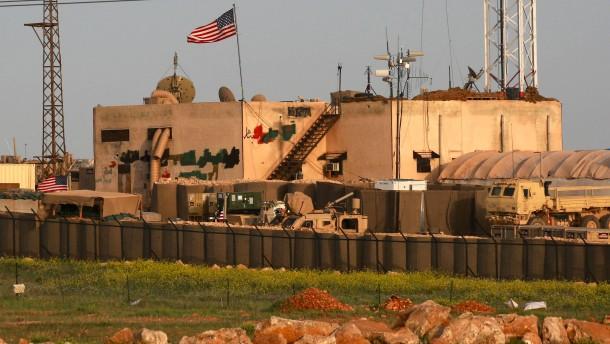 Pentagon: Amerikanische Luftwaffe setzt Angriffe in Syrien derzeit fort
