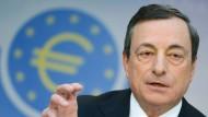 Mario Draghi, der Chef der EZB, im Kampf für eine höhere Inflationsrate: Kann die Kreditkanone helfen?