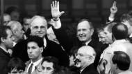 Bundeskanzler Helmut Kohl und George Bush, im November 1990 in Speyer.