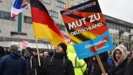 Gabriel für Beobachtung der AfD durch Verfassungsschutz