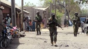 Dutzende Mädchen in Nigeria entführt