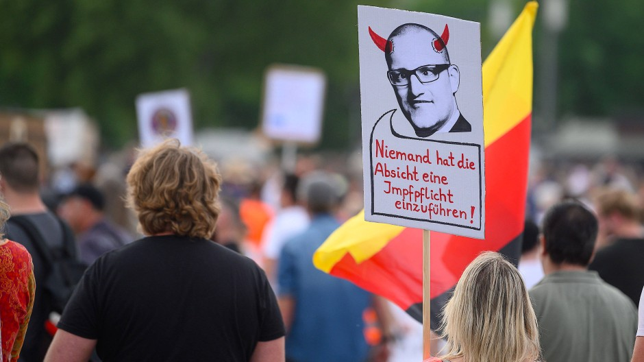 Protest gegen Anti-Corona-Strategie
