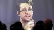 Wie Edward Snowden von Moskau aus Kasse macht