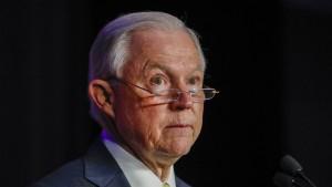 Jeff Sessions will vor Geheimdienstausschuss aussagen