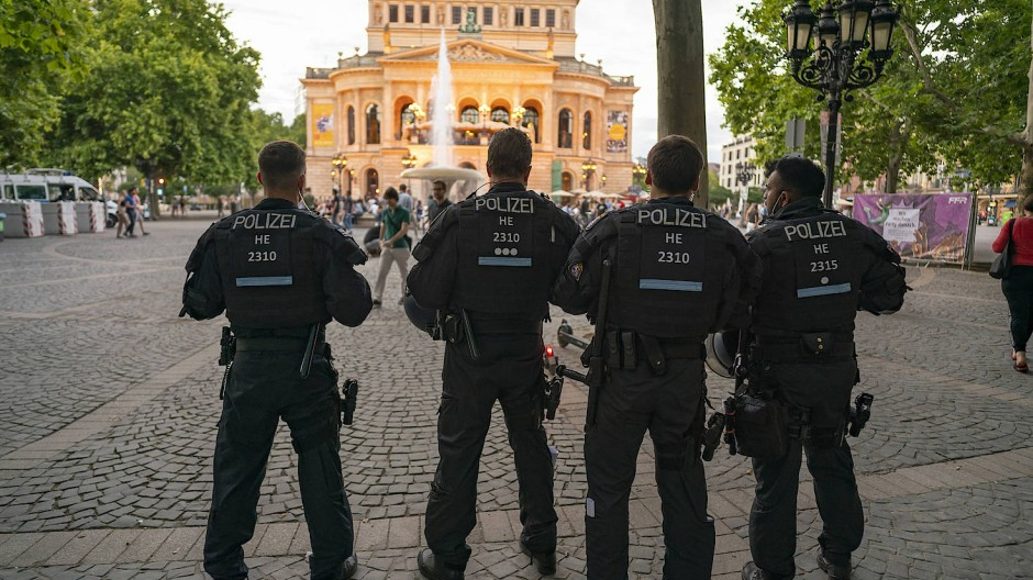 Die erste große Räumung am Frankfurter Opernplatz