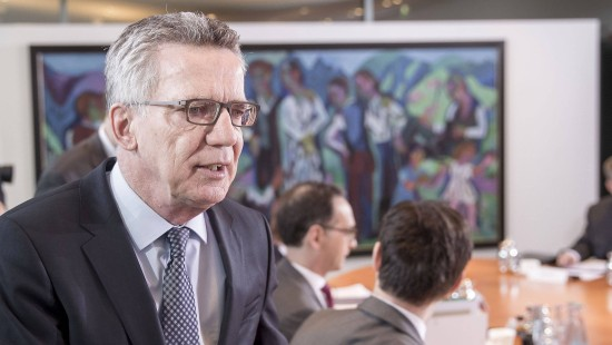 Kabinett verabschiedet schärfere Abschiebe-Regeln