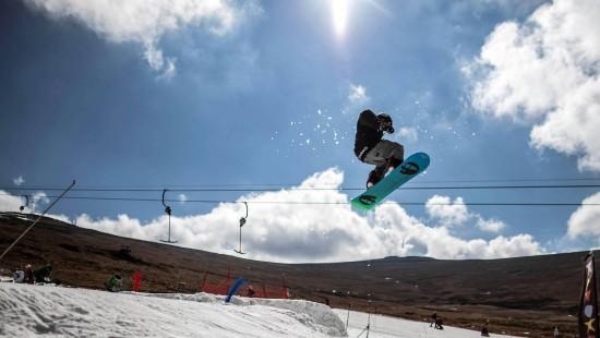 Skifahren in der Sonne Afrikas