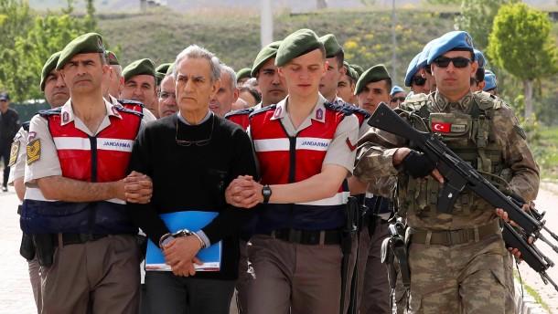 Mehr als 2100 Menschen wegen Putschversuchs verurteilt