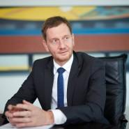 Michael Kretschmer (44, CDU) ist seit zwei Jahren sächsischer Ministerpräsident. Er ist einer der Konservativen der CDU, muss nun aber eine Regierung mit SPD und Grünen bilden.