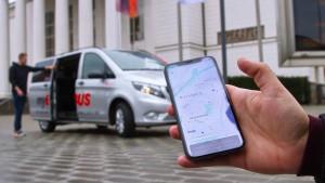 Duisburg testet Kleinbusse auf Bestellung