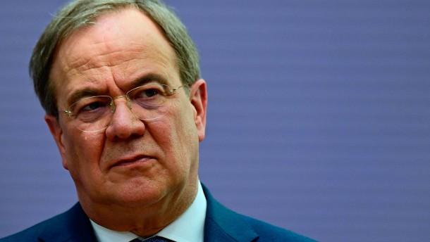 Laschet wirft SPD schäbigen Umgang mit Spahn vor