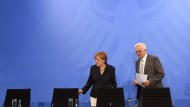 Werden bei den Koalitionsverhandlungen aufeinander treffen: Angela Merkel und Winfried Kretschmann, der im Verhandlungsteam der Grünen sitzen wird.