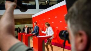 Von-der-Leyen-Nominierung sorgt für Krach in großer Koalition